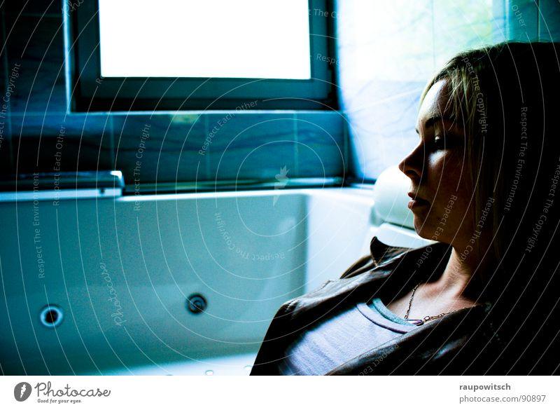 Living in a tub ruhig glänzend Bad Frieden Theaterschauspiel Badewanne Marmor