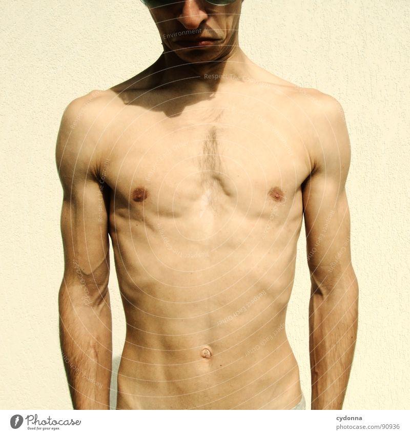 OH, THAT'S ME! Mann Kerl nackt Oberkörper Selbsterkenntnis Gesichtsausdruck gestikulieren Gefühle stehen Sport dünn Blick entdecken Mensch Akt Typ Körper Haut