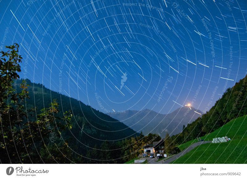 Blick zum Niesen Leben Erholung ruhig Ausflug Ferne Freiheit Sommer Berge u. Gebirge Natur Landschaft Urelemente Luft Nachthimmel Stern Herbst Schönes Wetter