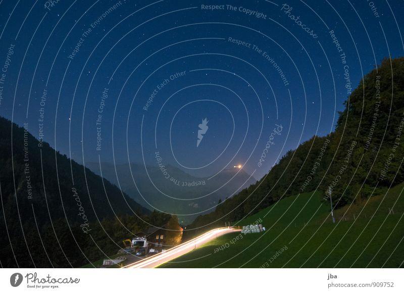 Blick zum Niesen Erholung ruhig Ausflug Freiheit Sommer Berge u. Gebirge Natur Landschaft Urelemente Luft Nachthimmel Stern Herbst Schönes Wetter Alpen Kiental