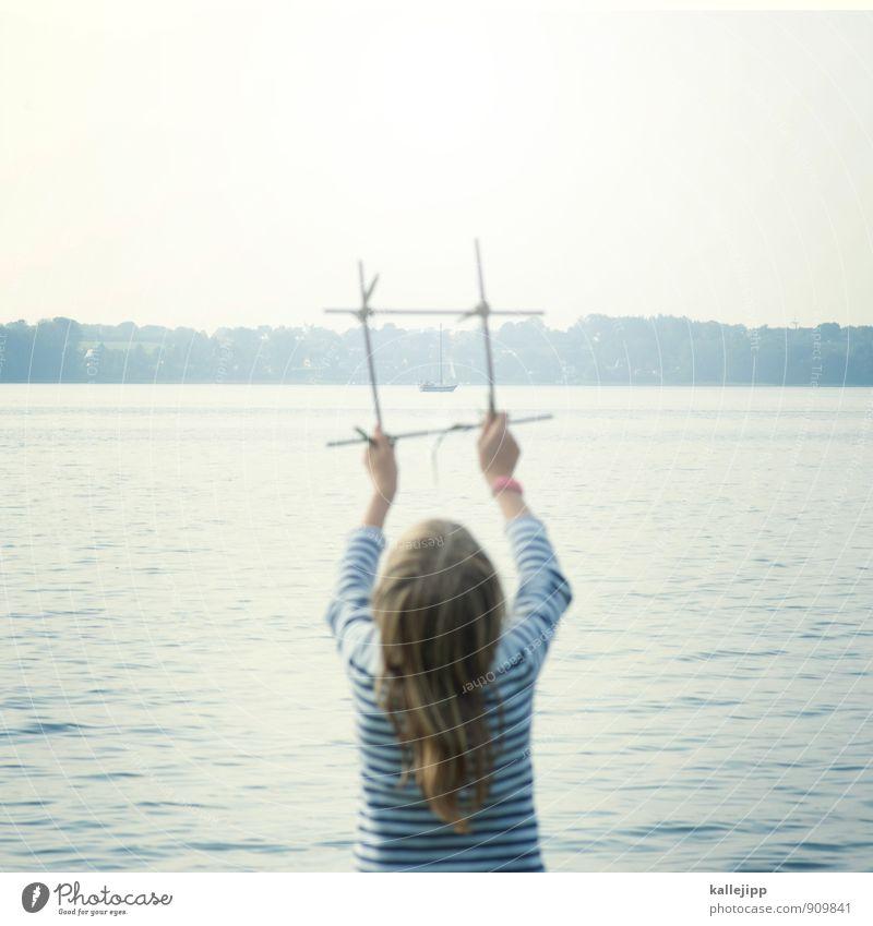 ahoi! Mensch Kind Wasser Mädchen Freude Leben feminin Glück Wasserfahrzeug Kindheit Fröhlichkeit Zukunft Lebensfreude stoppen 8-13 Jahre Schilfrohr