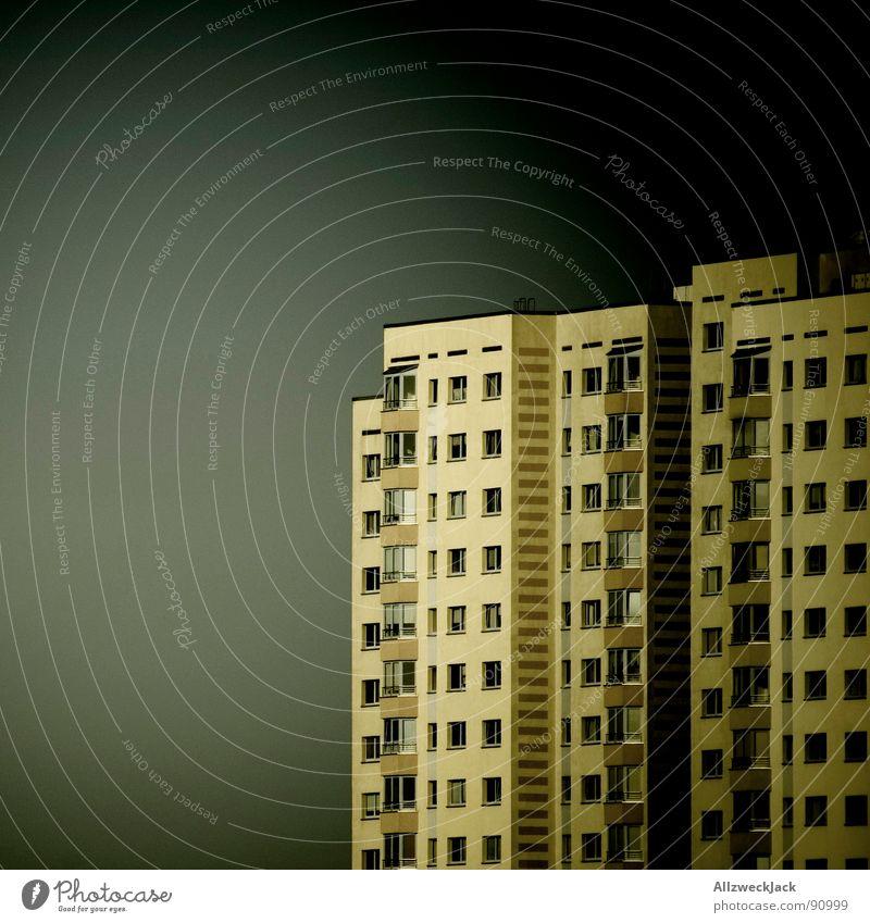 Dunkel wars, der Mond schien helle... Ghetto Potsdam Plattenbau Hochhaus Wohnhochhaus Haus einheitlich dunkel Nacht Balkon Sanieren obskur Häusliches Leben