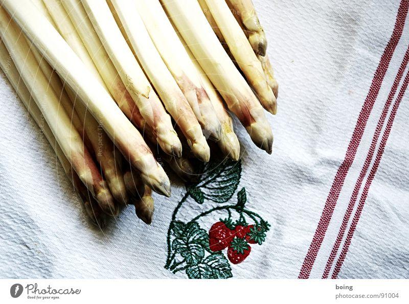Spargel Stengel Wurzel Wurzelgemüse Gemüse Spargelernte Handtuch Erdbeeren frisch häuten Küche Portion Küchenhandtücher Sammlung Markt Gemüsehändler Gastronomie