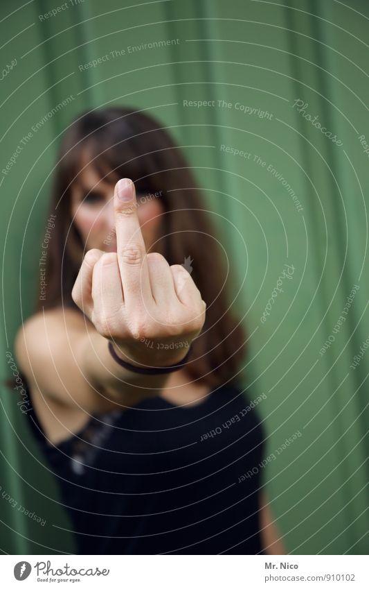 ja, ich will ! Mensch Frau Hand Erwachsene Gefühle feminin Lifestyle Kommunizieren Finger Coolness Körperhaltung Wut langhaarig Aggression böse selbstbewußt