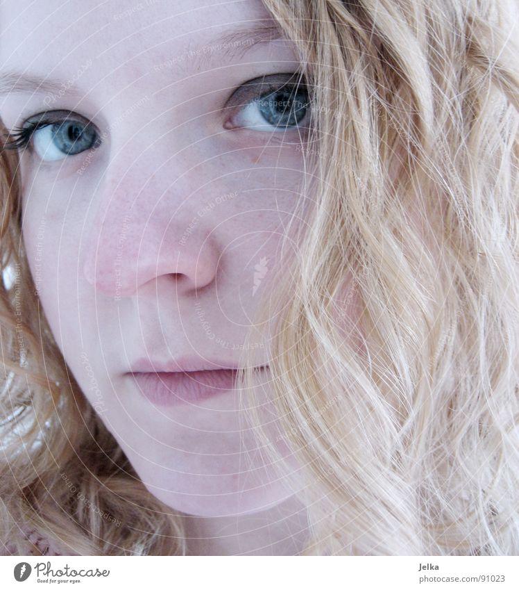 die gedanken sind frei... Mensch Frau blau Mädchen Gesicht Erwachsene Auge Haare & Frisuren blond Mund Nase Locken Wange lockig Augenfarbe
