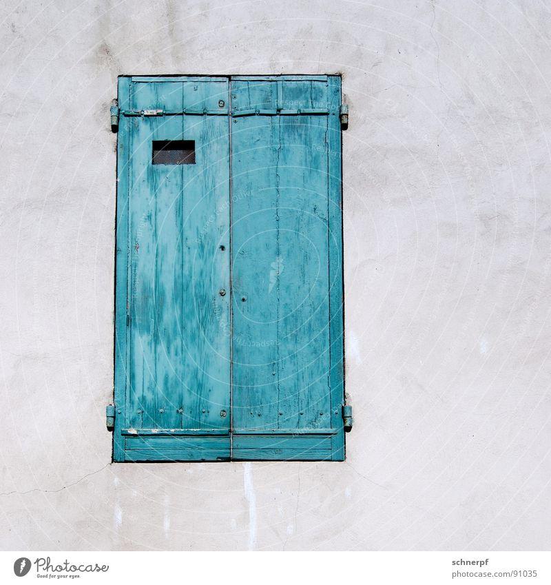 Heute geschlossen. Fenster Holz Haus einfach Wand grün Ferien & Urlaub & Reisen zweifarbig Frankreich Einsamkeit Südfrankreich angemalt Raum Strukturen & Formen