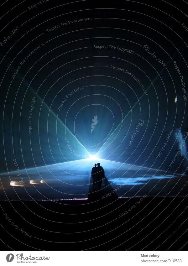 Lightgames II Bergbau Mensch maskulin Körper Kopf 2 18-30 Jahre Jugendliche Erwachsene Laser Lasershow glänzend leuchten stehen außergewöhnlich dunkel
