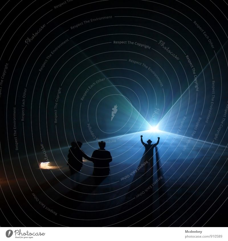 Lightgames III Mensch Frau Jugendliche Mann blau weiß 18-30 Jahre schwarz dunkel Erwachsene feminin grau außergewöhnlich Menschengruppe Freundschaft maskulin