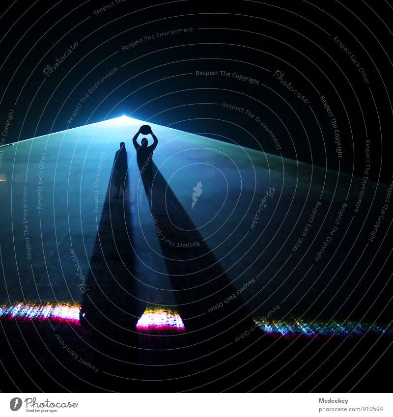 Lightgames V (I/III) Laser Bergbau Lasershow Mensch maskulin Freundschaft Kopf Arme 2 18-30 Jahre Jugendliche Erwachsene festhalten leuchten stehen
