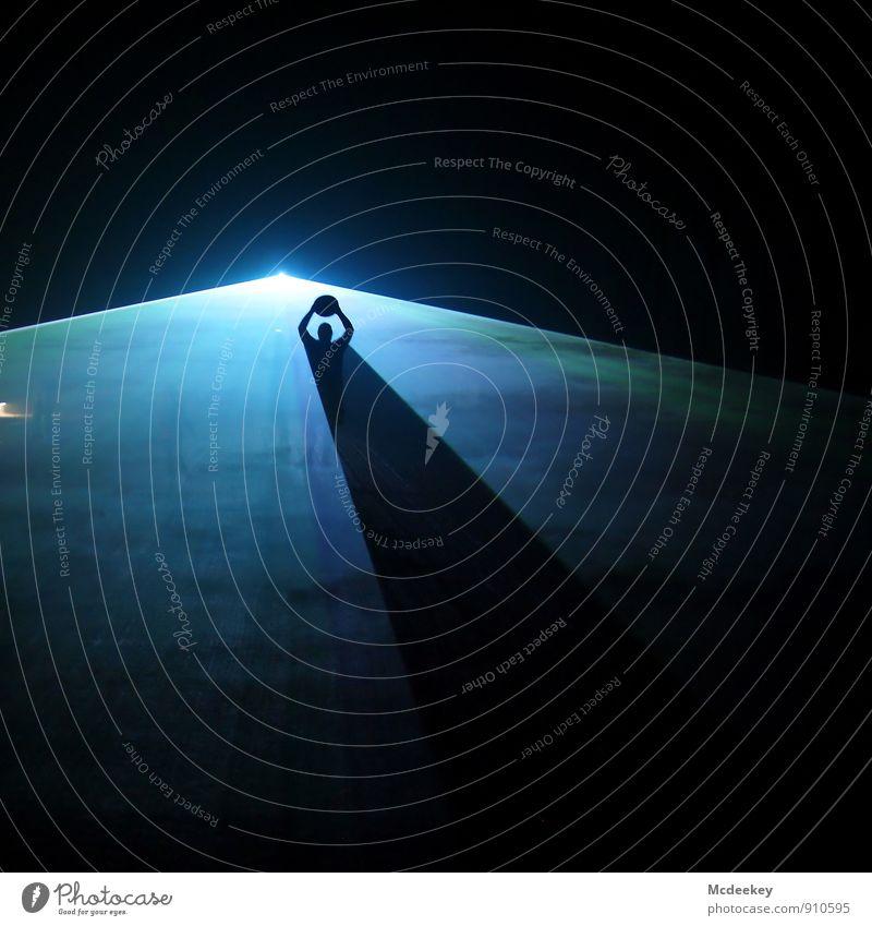Lightgames V (II/III) Bergbau Lasershow Mensch maskulin Freundschaft Kopf Arme 1 18-30 Jahre Jugendliche Erwachsene Hut leuchten stehen außergewöhnlich dunkel