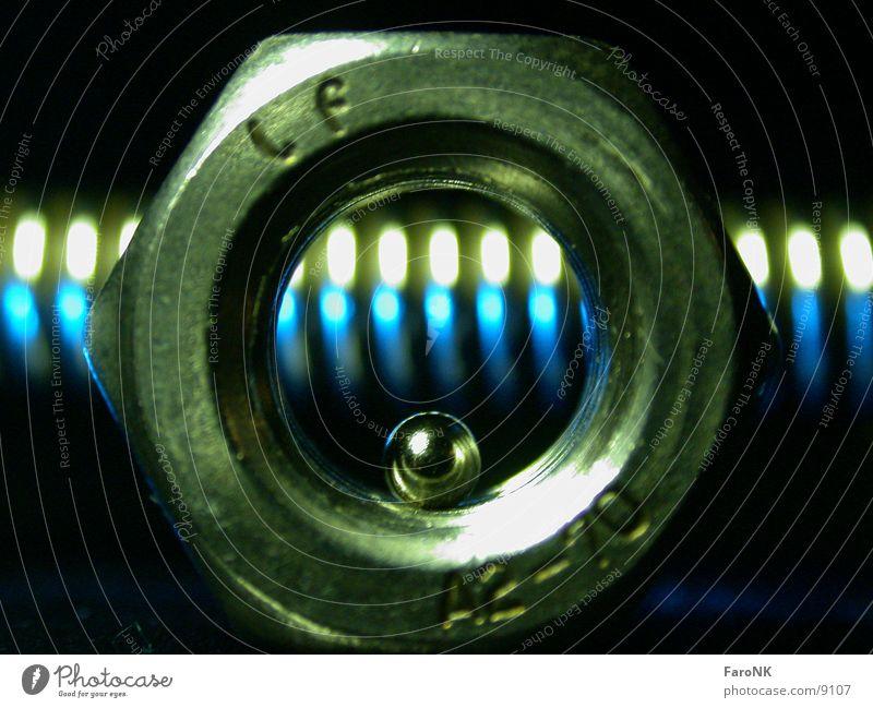 MutterKugelFeder grün Makroaufnahme Nahaufnahme blau