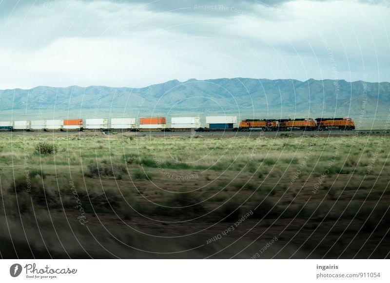 Endlos Umwelt Landschaft Himmel Wolken Gras Berge u. Gebirge Schlucht Ebene Steppe Verkehrsmittel Verkehrswege Güterverkehr & Logistik Schienenverkehr Eisenbahn