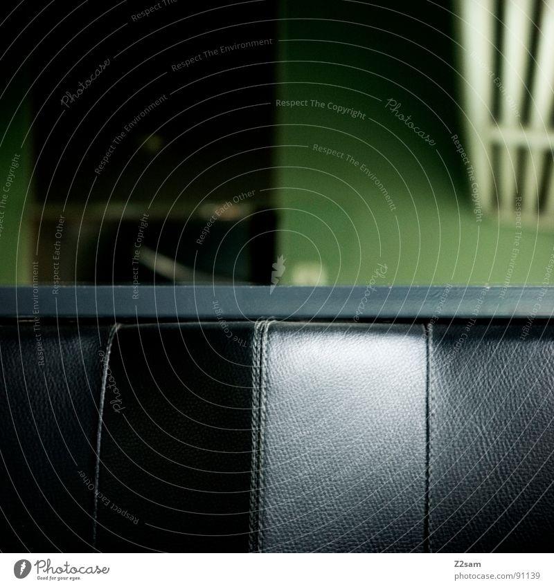train impressions Eisenbahn fahren Gleise Sitzgelegenheit Gepäck Gepäckablage Unschärfe Naht Leder Kunstleder abstrakt graphisch einfach glänzend grün Mitte
