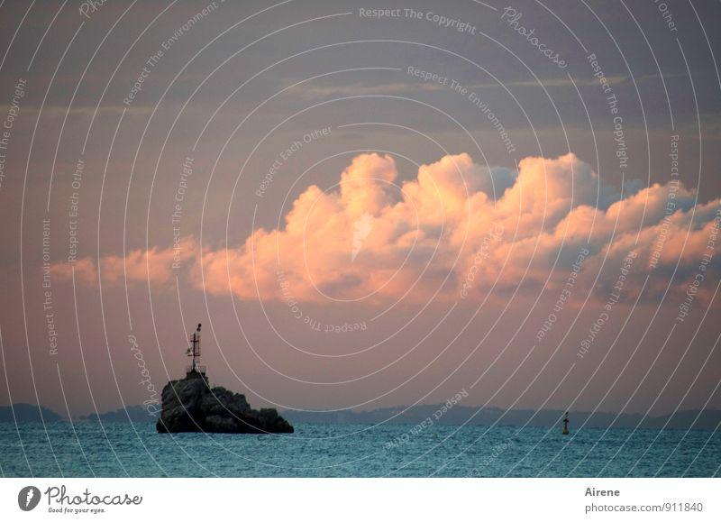 Inseldasein Landschaft Urelemente Luft Wasser Himmel Wolken Horizont Sonnenaufgang Sonnenuntergang Schönes Wetter Stein Schilder & Markierungen ästhetisch blau