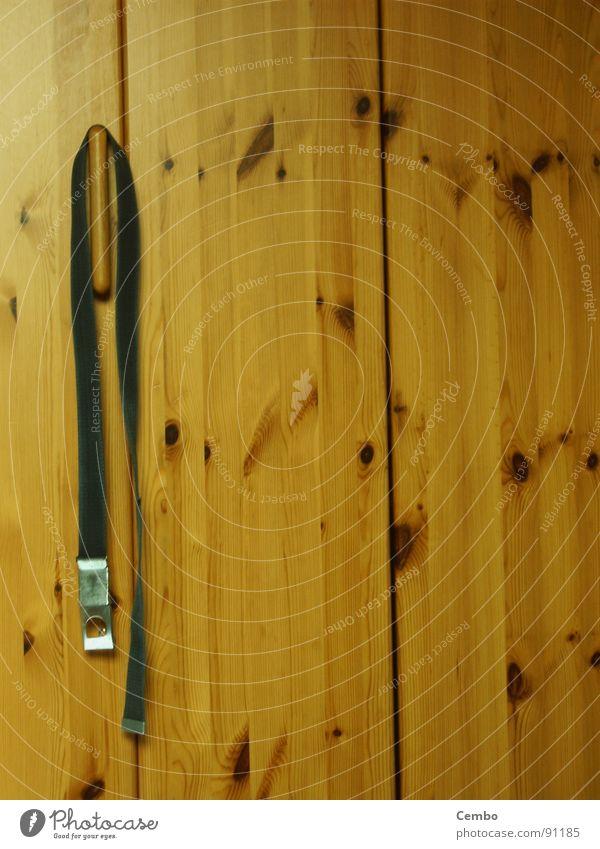 Was ziehe ich an??? schön Farbe Holz Wärme Physik Wohlgefühl Schrank Gürtel Schlafzimmer massiv