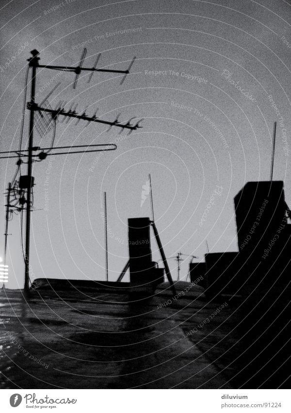 antennen Himmel weiß schwarz dunkel Dach Antenne