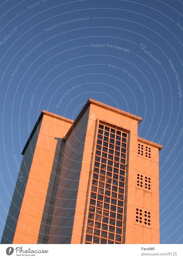 Hochhaus Gebäude Architektur blau Himmel