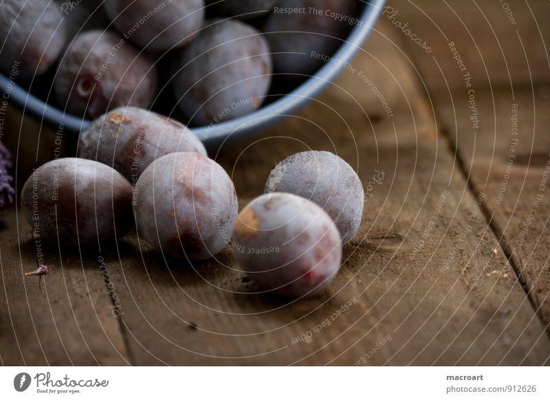 Pflaumen Frucht landhausstil reif blau Gesunde Ernährung Holzbrett Tischplatte Holztisch altehrwürdig Schalen & Schüsseln Porzellan Geschirr Keramik müslischale