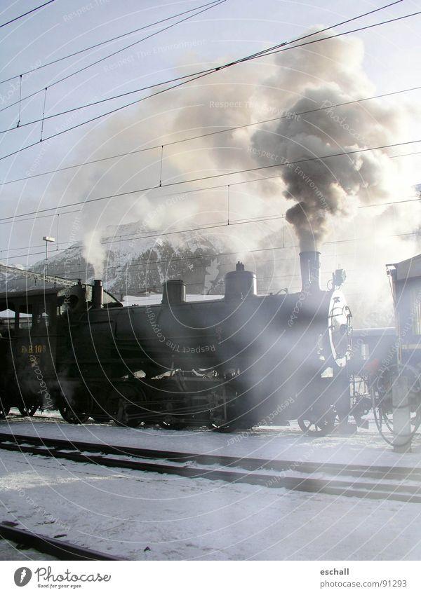 Dampfnostalgie II Winter Ferien & Urlaub & Reisen Schnee Landschaft Eisenbahn fahren Romantik Schweiz Gleise Rauch historisch Bahnhof Nostalgie Wasserdampf