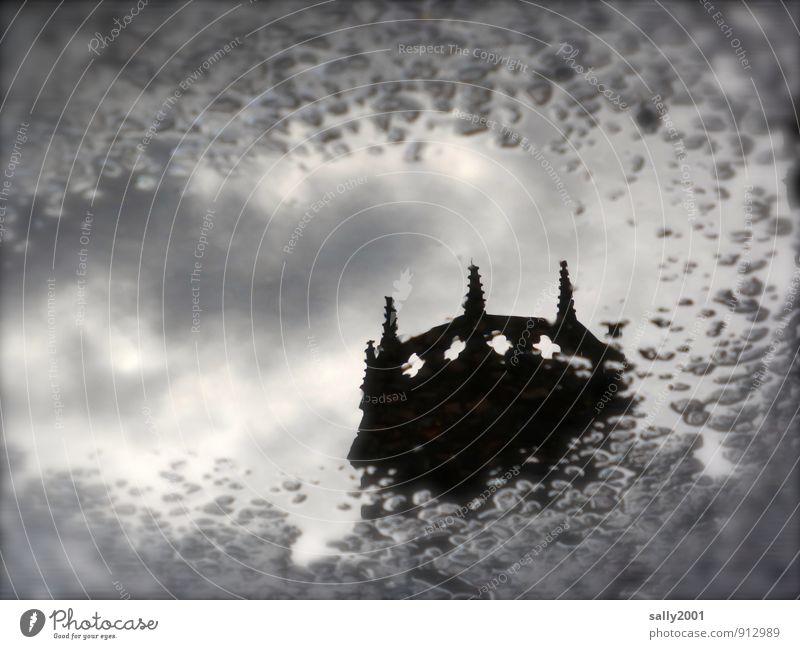 aus alten Zeiten... England Kirche Palast Burg oder Schloss Turm Gebäude Kathedrale Sehenswürdigkeit bedrohlich fantastisch schwarz bizarr Endzeitstimmung