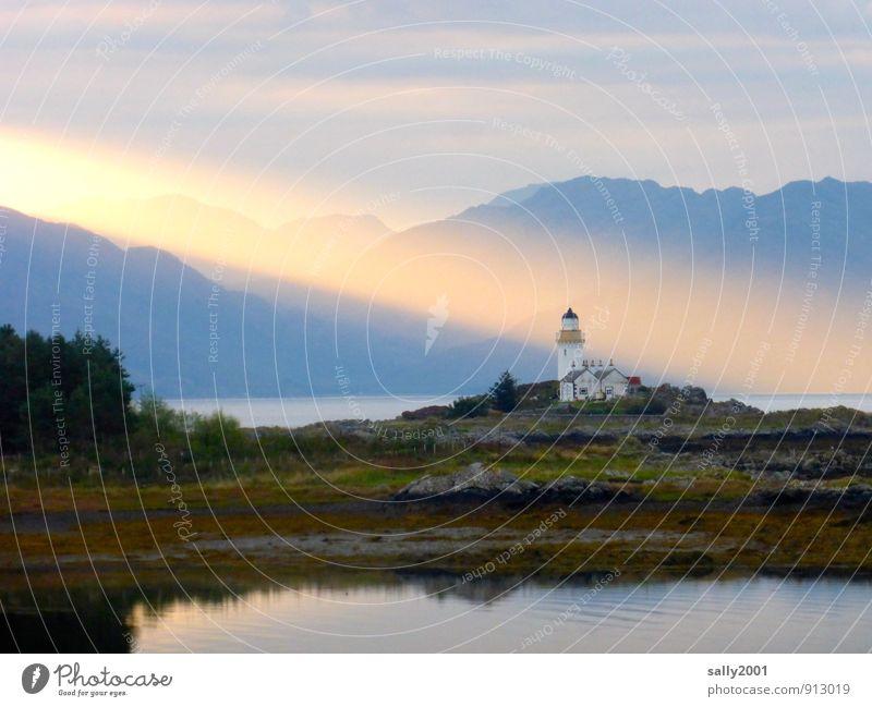 Wohlfühloase   there's a light Sommer Meer Erholung Landschaft Einsamkeit ruhig Berge u. Gebirge Küste träumen leuchten Kraft Insel fantastisch Abenteuer