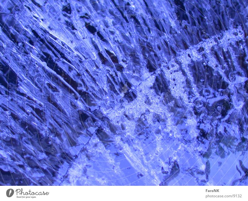 Eisblock Wasser blau