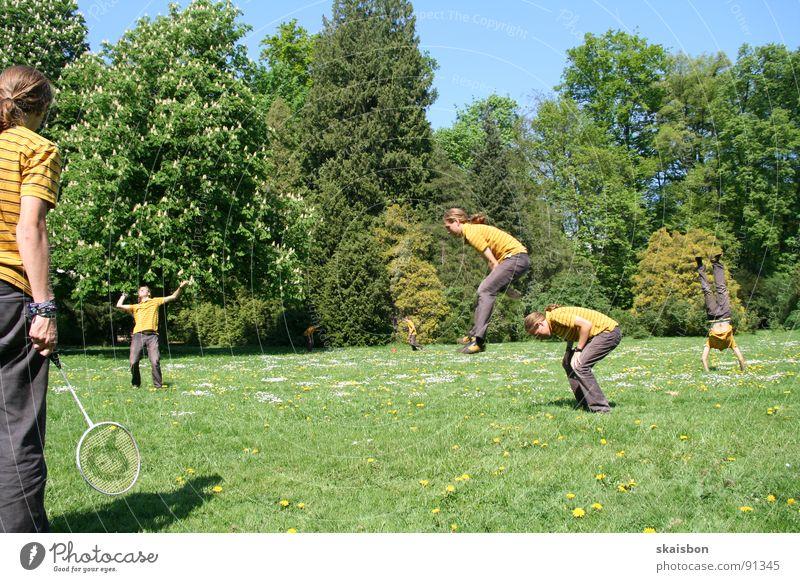 multiple freizeit #1 Mensch grün Ferien & Urlaub & Reisen Baum Sommer Freude Einsamkeit Wiese Sport Wärme Spielen Gras Frühling springen lustig Luft