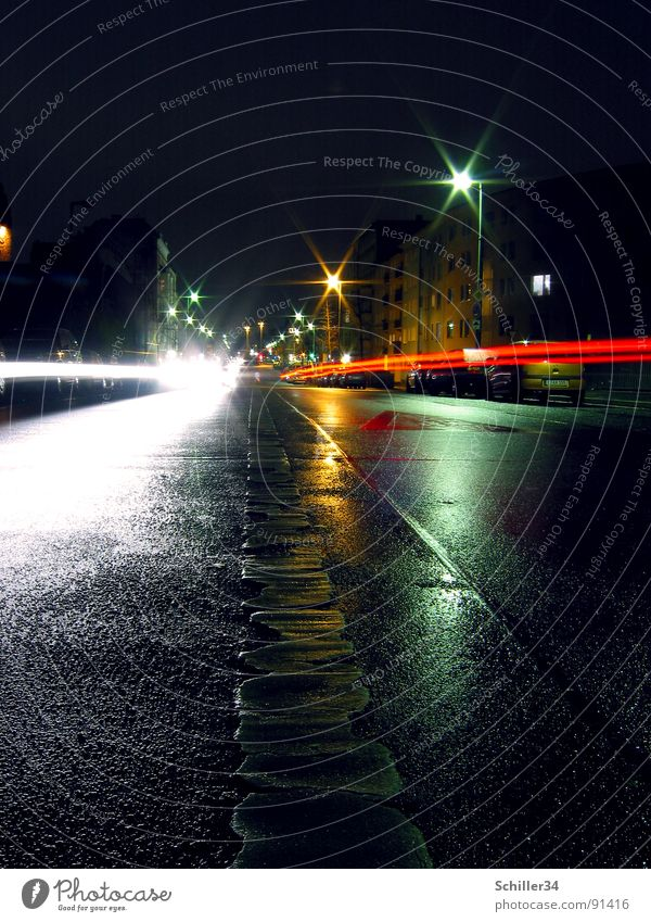 LICHTSPIELE II weiß grün blau Stadt rot Haus schwarz gelb Straße Lampe dunkel Wand Fenster PKW hell Tür