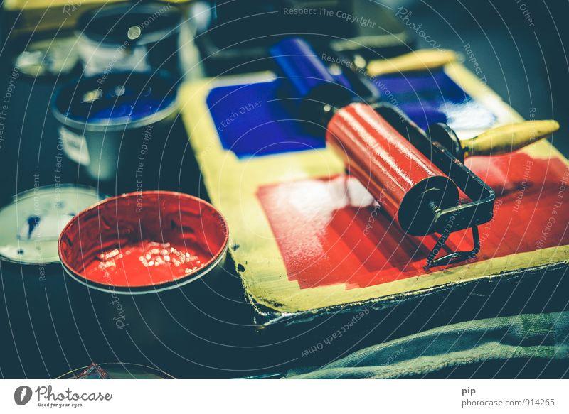 pantöne blau rot Arbeit & Erwerbstätigkeit Handwerk Werkstatt Handwerker Rolle Handarbeit Walze intensiv Druckerei Buchdruck Medienbranche Printmedien Farbtopf Druckfarbe