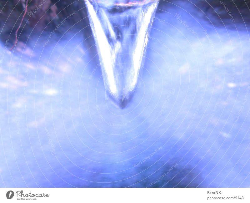 Wasserstrahl Strahlung Brunnen Makroaufnahme Nahaufnahme blau