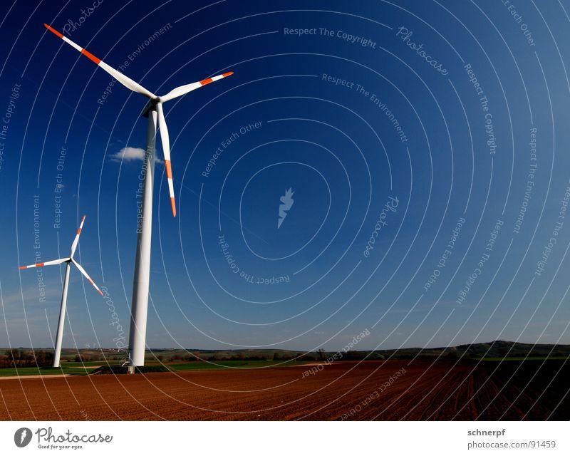 Teurer Strom Luft Windkraftanlage Elektrizität Blatt teuer ökologisch Erneuerbare Energie Triebwerke Energiewirtschaft einfach Horizont rotieren 2 luftig ruhig