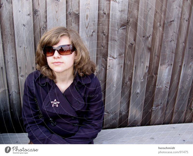 waiting blau Gesicht Holz grau Haare & Frisuren Denken Mund braun warten wandern Nase Bank Brille Ohr Jacke Langeweile