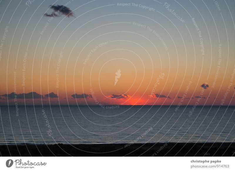 Was vom Tage übrigblieb Ferien & Urlaub & Reisen Sommer Sommerurlaub Sonne Strand Meer Wellen Landschaft Wolken Sonnenaufgang Sonnenuntergang Küste Mittelmeer