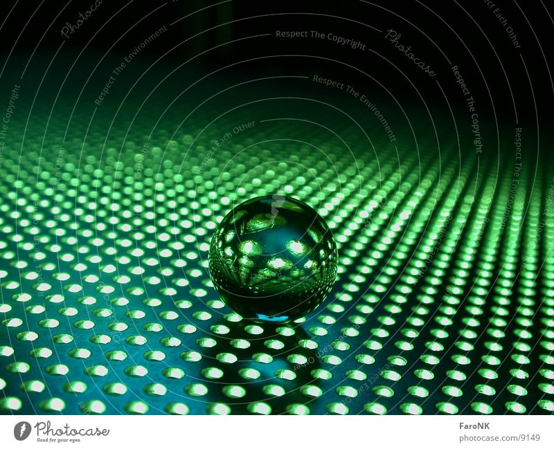 GrüneKugel grün Glas Loch Murmel Spielzeug