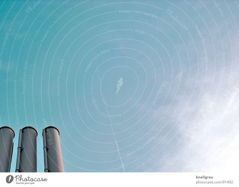 Schlot und gut I Himmel Natur Sonne Wolken Freiheit Architektur Luft Metall Klima Energiewirtschaft Perspektive Industrie Technik & Technologie Fabrik atmen Schornstein