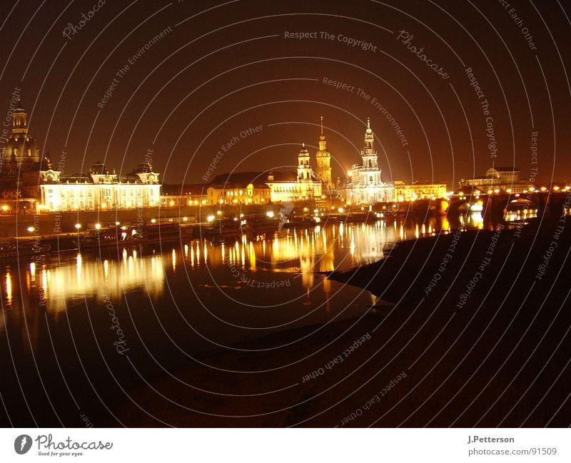 dresdner altstadt bei nacht Architektur groß Nacht Dresden Elbe Altstadt Nachtaufnahme Frauenkirche