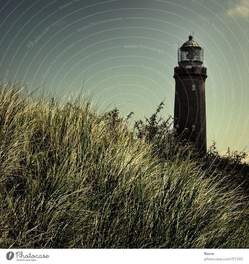 Wie das Land... Meer Sommer Strand Ferien & Urlaub & Reisen Ferne Gras Freiheit Glück Landschaft Küste Turm Denkmal Halm Stranddüne Schifffahrt Wahrzeichen