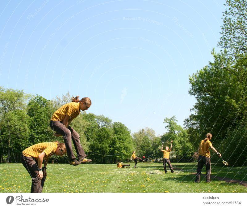 multiple freizeit #2 Mensch grün Ferien & Urlaub & Reisen Baum Sommer Freude Einsamkeit Wiese Sport Wärme Spielen Gras Frühling springen lustig Luft