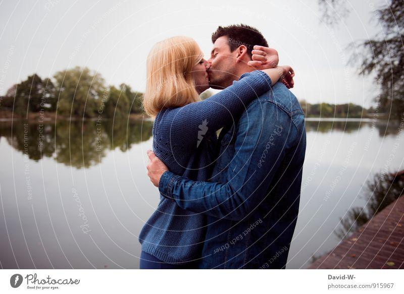 in love Jugendliche blau schön Landschaft 18-30 Jahre Erotik Erwachsene Gefühle feminin Liebe Glück träumen maskulin blond Fröhlichkeit genießen