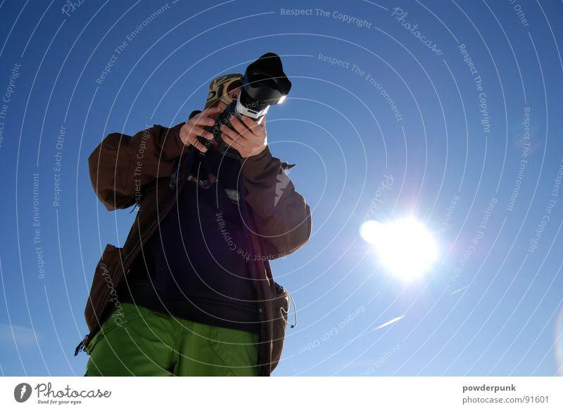 Filmer Mann Winter Fotografie Kunst Filmindustrie Kultur Fotokamera Bild Fotograf Fotografieren Blauer Himmel Photo-Shooting