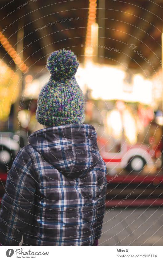 Rummel Mensch Kind Weihnachten & Advent Winter Gefühle Spielen Feste & Feiern Stimmung Freizeit & Hobby Kindheit warten Sehnsucht Mütze Kleinkind Jahrmarkt Begeisterung