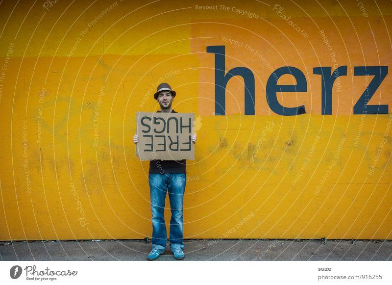 Fütterung Mensch Jugendliche Mann Junger Mann Freude Erwachsene gelb Graffiti Liebe lustig Stil Glück Lifestyle Stimmung Freundschaft maskulin
