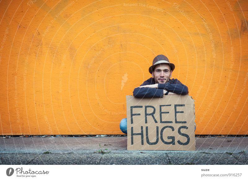 Der tut nix ... Lifestyle Stil Freude Glück Freizeit & Hobby Valentinstag Mensch maskulin Junger Mann Jugendliche Erwachsene Freundschaft Hut Schriftzeichen