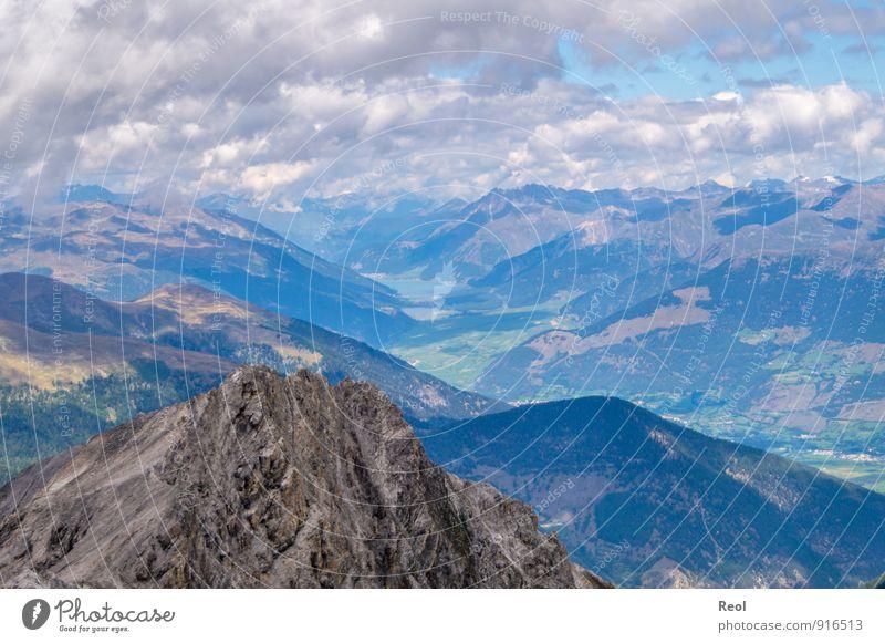 Ausblick Ferien & Urlaub & Reisen Tourismus Ausflug Ferne Berge u. Gebirge Umwelt Natur Landschaft Urelemente Erde Felsen Alpen Gipfel See Tal blau Farbfoto