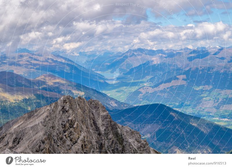 Ausblick Natur Ferien & Urlaub & Reisen blau Landschaft Ferne Berge u. Gebirge Umwelt See Felsen Tourismus Erde Ausflug Urelemente Gipfel Alpen Tal