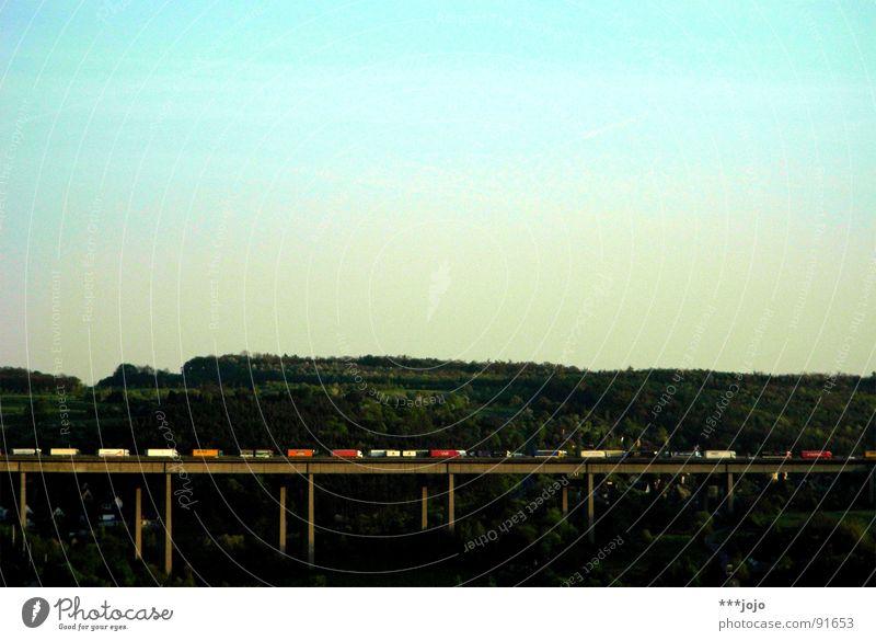 A3 Verkehrsstau Autobahn Lastwagen stehen Ausdauer Ferien & Urlaub & Reisen stagnierend schleppend Brücke Langeweile Landschaft traffic zähfließend