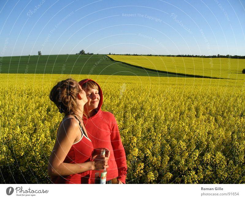 tell me the good things.. Natur Himmel blau Pflanze Sommer ruhig Liebe gelb Frühling Freiheit Zufriedenheit Feld Küssen Klarheit Freundlichkeit Raps