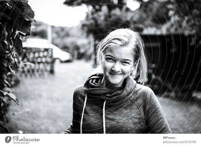 smile Mensch feminin Junge Frau Jugendliche Erwachsene 1 18-30 Jahre Bewegung dünn schön einzigartig Leichtigkeit Gesichtsausdruck Freude grinsen lachen