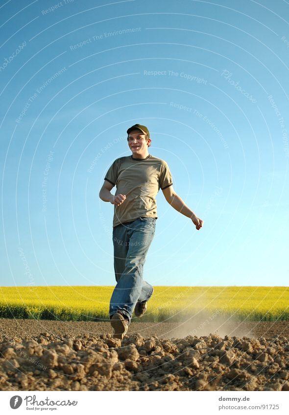*dustrun Himmel Mann blau Sonne Sommer Freude Auge gelb Spielen Frühling Haare & Frisuren lachen Beine lustig Erde Schuhe