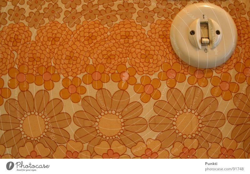 Es werde Licht Lichtschalter Tapete leicht Muster Blume old-school Flur aktivieren retro